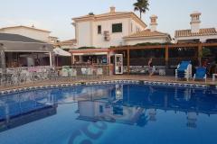 Albufeira-Algarve-Villas-da-Correeira-RES-02-Scoobys-Pool-Bar