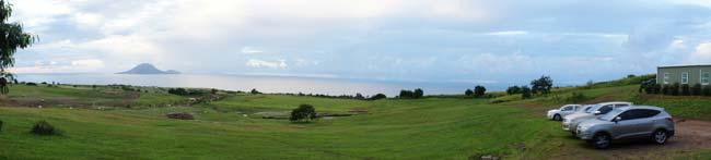 поле Невис