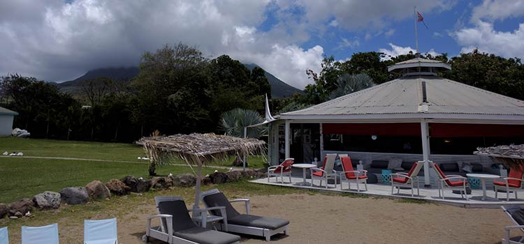 курорт на Невисе