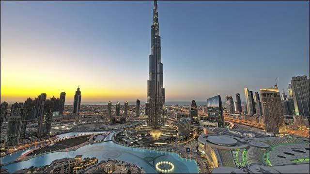 гигантские здания Дубая
