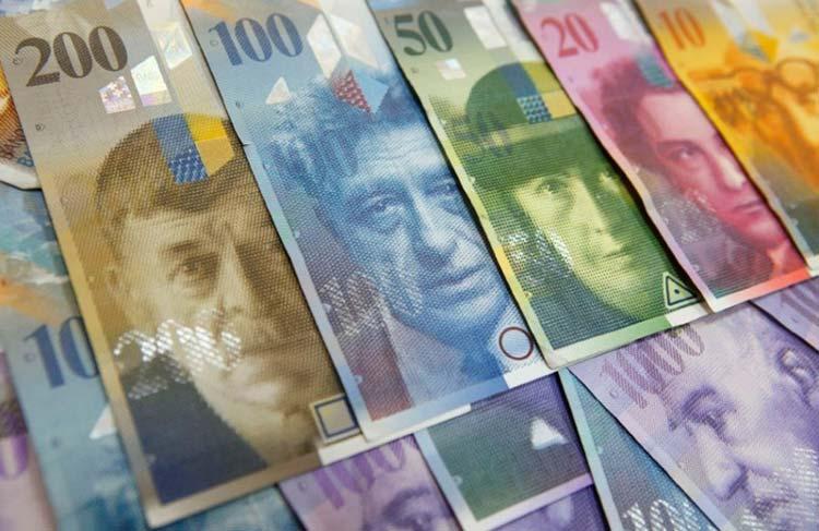 Сильный, но не эффективный! Слишком дорогой Швейцарский франк вредит экономике Швейцарии