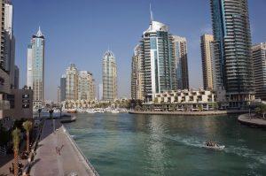 Чековая книжка, как один из наиболее популярных способов оплаты в Дубае