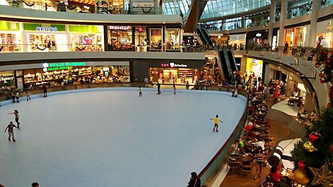 Где в Сингапуре можно покататься на коньках?