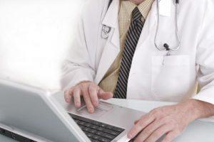 Как доктор может заработать через интернет?