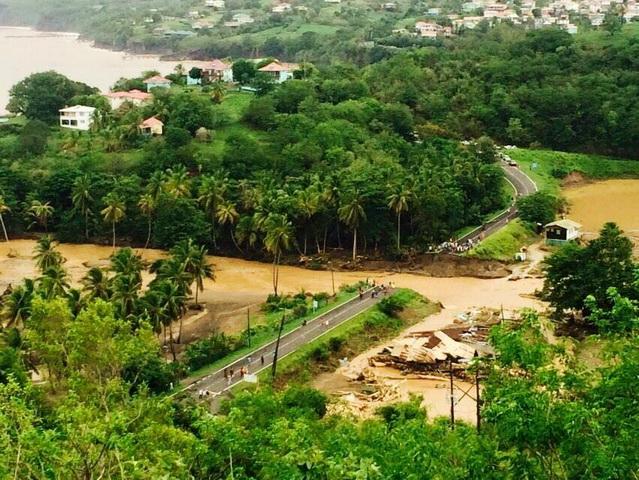 мировое сообщество помогает Доминике перенести последствия урагана Эрика