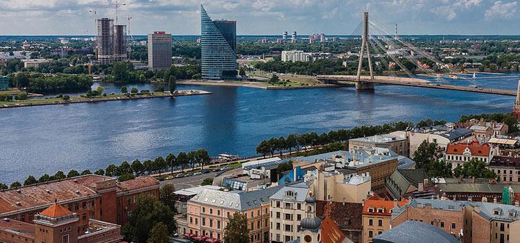Латвия проводит налоговые реформы