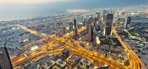 Вождение и общественный транспорт для экспатов в ОАЭ