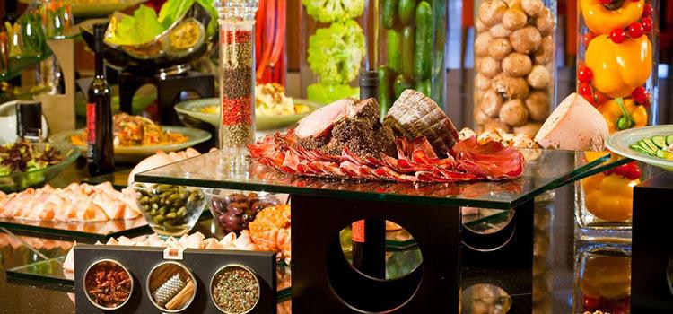 Взгляд на индустрию еды и напитков в ОАЭ
