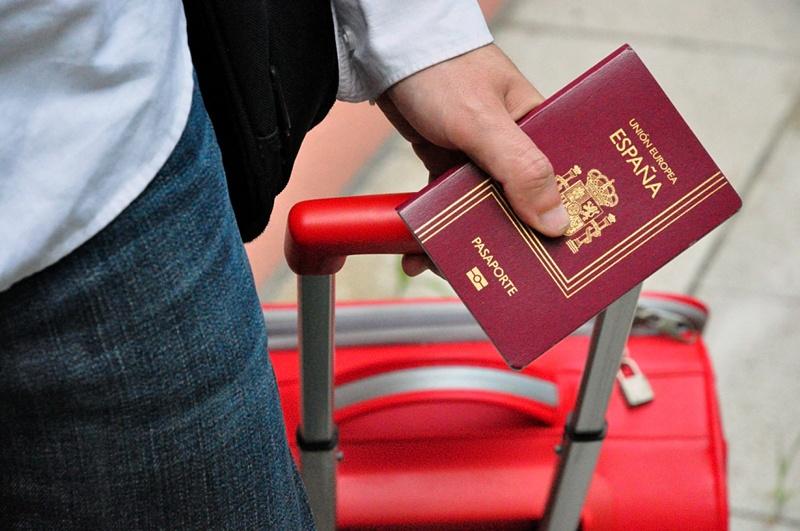 получить второй паспорт ЕС через ВНЖ за инвестиции в недвижимость