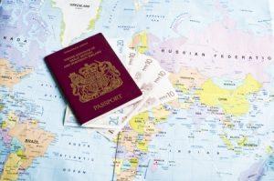 завести второй паспорт и открыть иностранный счет