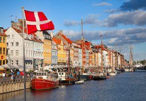 Дания собирается конфисковать драгоценности