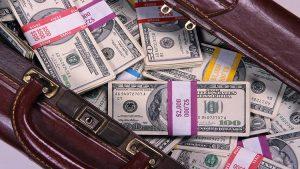 Как легально обойти любые ограничения на вывод капиталов из страны