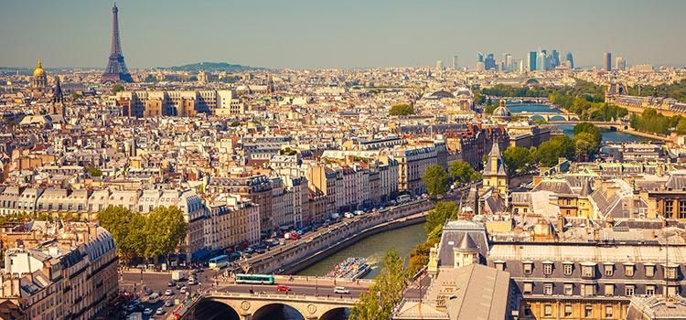 Получить ВНЖ во Франции через семью