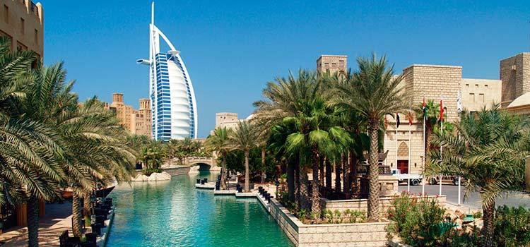 Есть ряд общих черт между компаниями СЭЗ и оффшорными компаниями в ОАЭ
