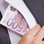 Джеймс Бонд отдыхает: секретную бухгалтерию для уклонения от налогов провозили в ожерелье