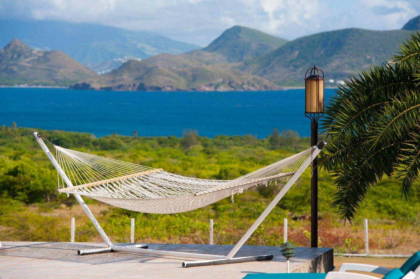 расслабится в Невисе