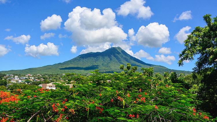 вулкан Невис