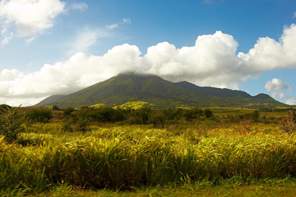 вулкан на Сент-Китс и Невис