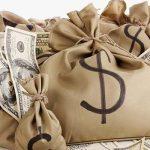 Состоятельные готовятся к коррекции рынков и переводят активы в наличность