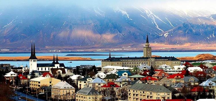 Как стать резидентом в Исландии