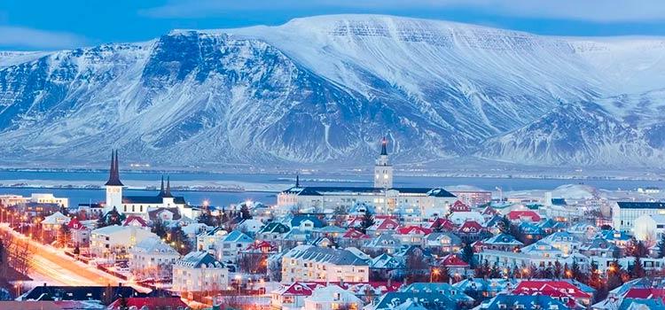 получить постоянный вид на жительство (ПМЖ) в Исландии