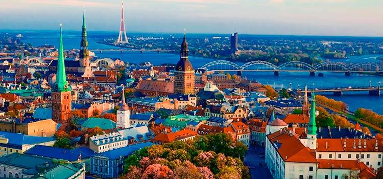 Счет в латвийском банке в 2017 году: решение проблем или дополнительные риски?