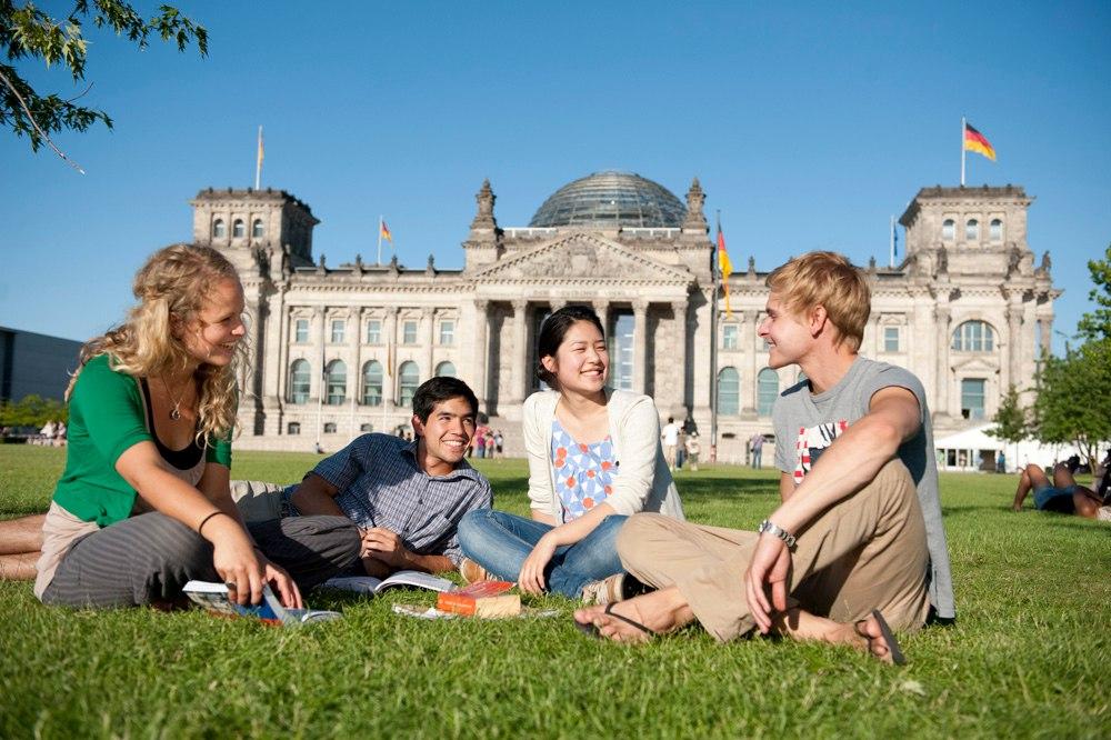 Обучаться в Германии на английском и на немецком языке