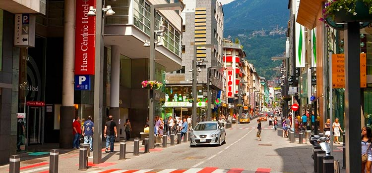 Резиденство в Андорре за инвестиции стала привлекательнее для видеоблоггеров, строителей и автомобилистов