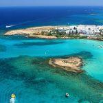 Миграционный бум: звёзды выбирают Кипр
