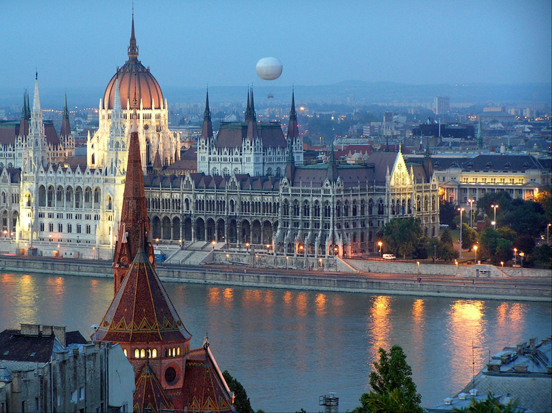 Hungary: bank accounts, trusts, companies, and immigration to the country