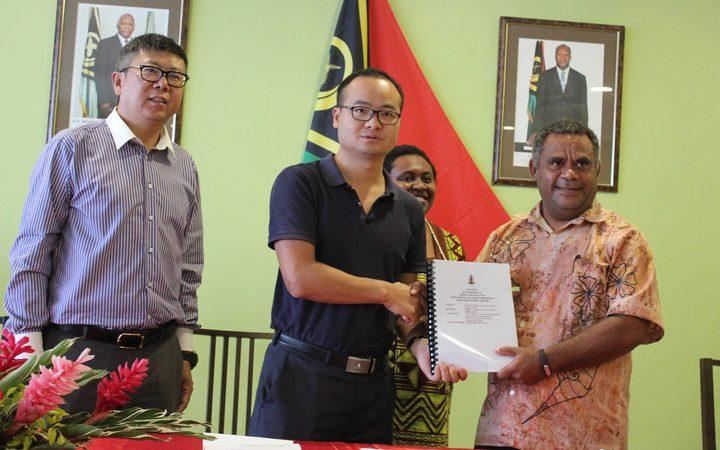 Вануату и Китай