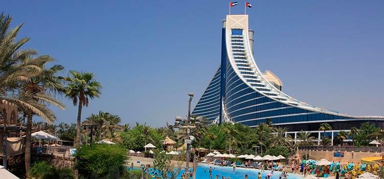 Компания в ОАЭ в СЭЗ Умм-Аль-Кувейн