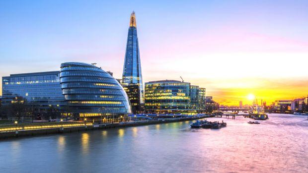 Лондонская ратуша на закате