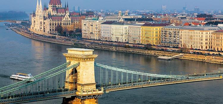 Компания в Венгрии взамен ВНЖ - картинка