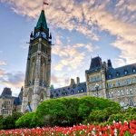 Правительство Канады столкнулось с серьезной критикой новой налоговой реформы