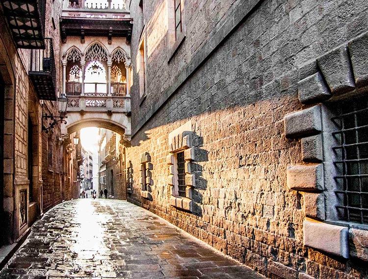 Оформляем резидентство и наведываемся в Барселону