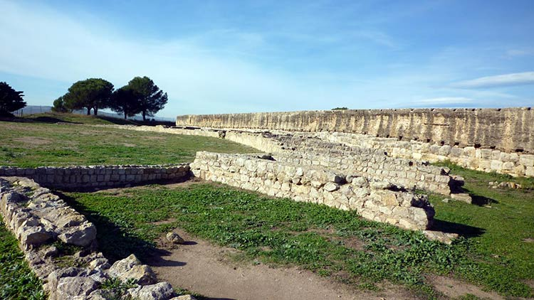 Ампуриас
