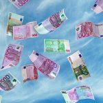 Латвия потеряла 2,15 миллиардов евро за 1,5 месяца: нерезиденты выводят активы