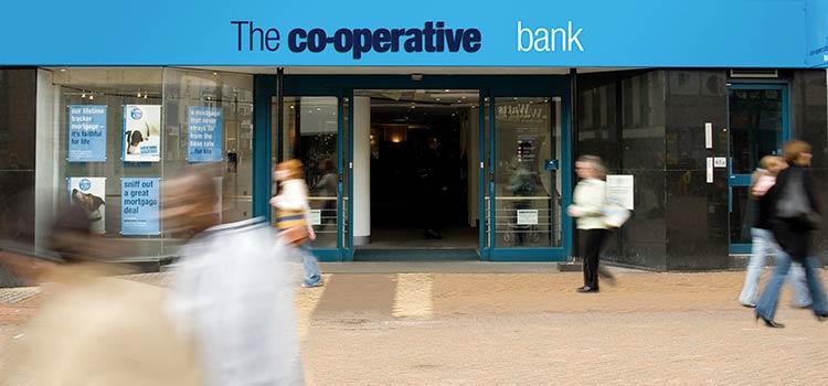 Вкладчики выводят активы из Кооперативного банка Кипра