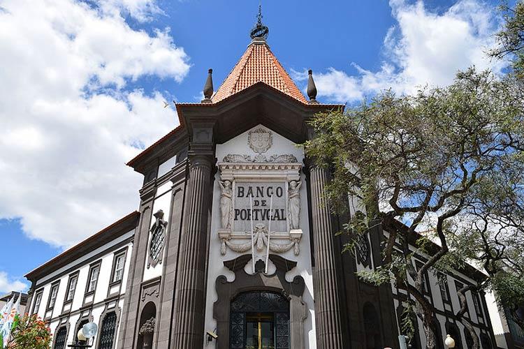 открытие банковского счета в Португалии