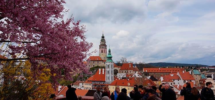 корпоративные счета в Banka Creditas в Чехии с личным визитом