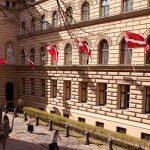 В Латвии ищут счета дочек Путина и принимают законопроект о компаниях-пустышках