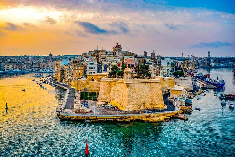 оформить гражданство за инвестиции Мальты