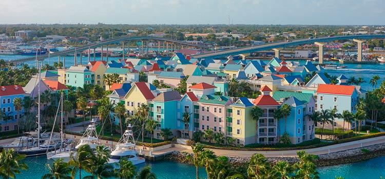 переехать на ПМЖ на Багамы в столицу Нассау