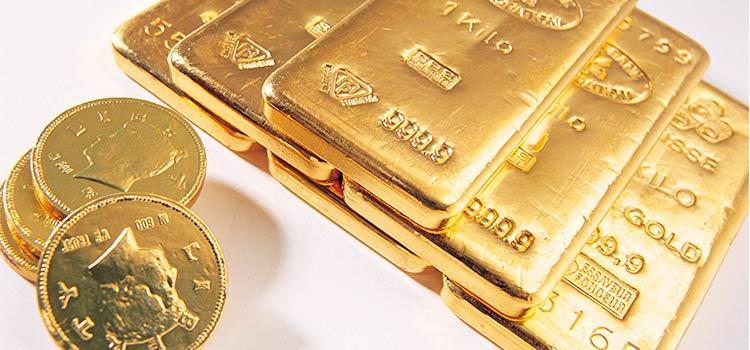 Россия продолжает активно закупать золото