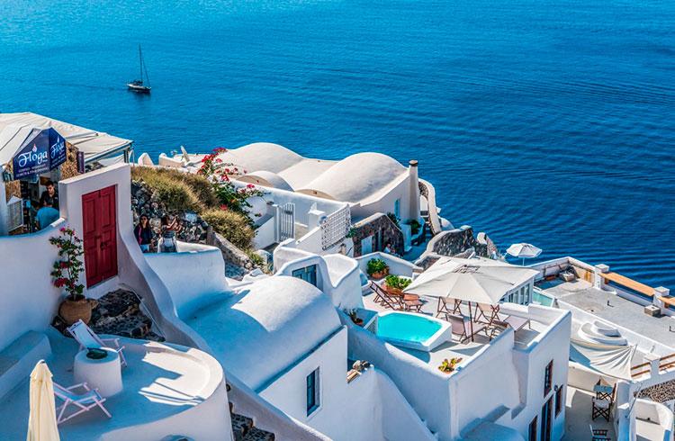ВНЖ Греции – Теперь при инвестициях в REIT и бизнес, депозите, покупке акций и гособлигаций