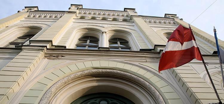 Банки, которые работали с нерезидентами в Латвии перестроятся