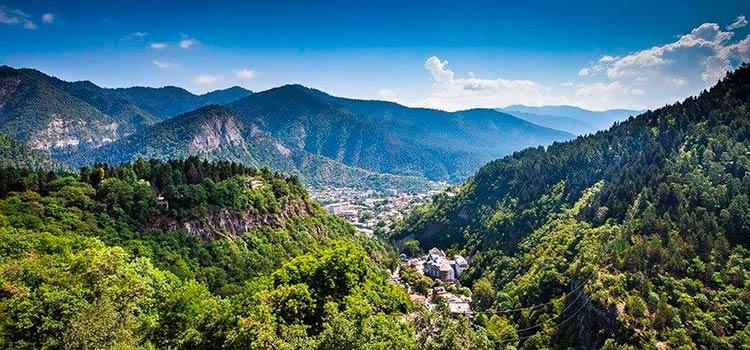 оформить ПМЖ в Грузии и узнать все про ее уникальную природу