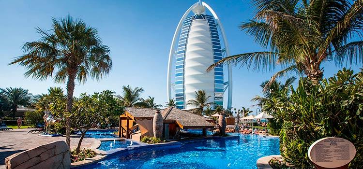 компании в Дубае для открытия гостиничного бизнеса