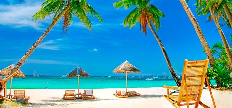 переехать на Багамы и отдыхать на лучшем пляже